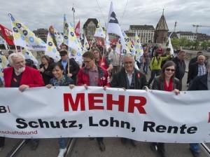 Gewerkschafter setzen sich für gerechte Löhne ein - Symbolbild: keystone